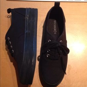 Divided by H&M size 6.0 New Platform Sneakers